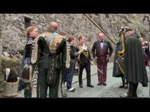 Scotland BBC2, includes behind the scenes peak of filming Outlander. outlander.forumieren.com/ - YouTube