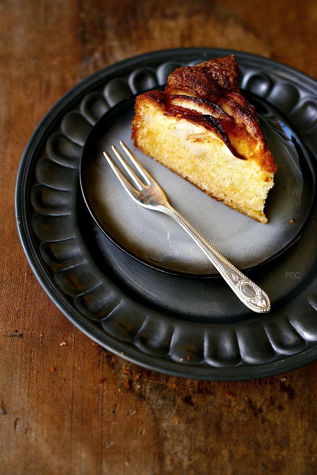Torta z jabolki in jabolčnim sokom