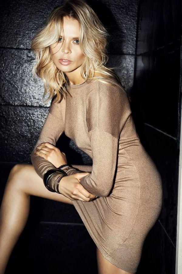 Mohito 2012 Maja Sablewska// Love that golden dress//