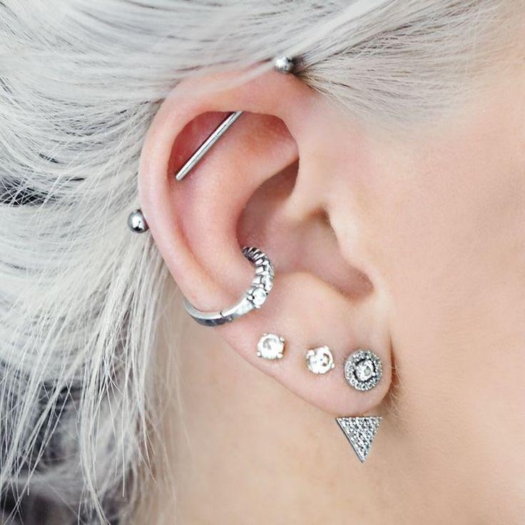 хозяйкам красивые проколы в ушах фото особенностях