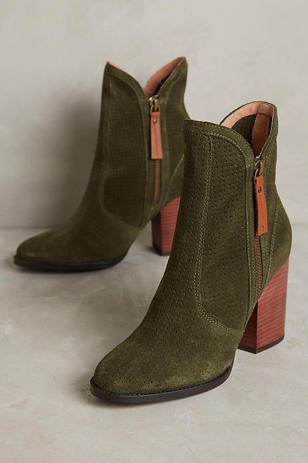 Seychelles Around The World Boots