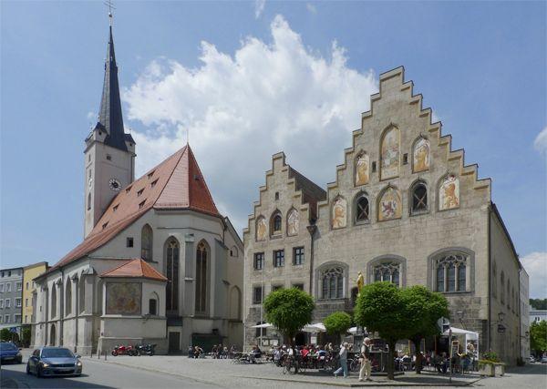 Rathaus, Frauenkirche und Stadtturm in Wasserburg am Inn, Bayern, Deutschland