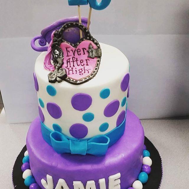 Ever After High Birthday Cake. Customer is very pleased. Her daughter's 10th birthday. #sweetboucakes #chocolate #10yearold #everafterhigh #edibleart #gta #mississauga #bramptoncakes #brampton #swissmeringuebuttercream #purple