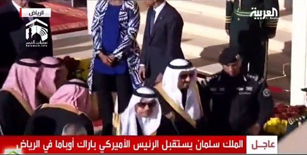 King Salman leaves Obama in Asar prayer Time First Namaz then all protocols – Watch Video