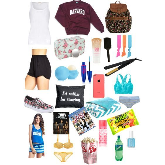 Beach Essentials List | 23 Teen Road Trip Essentials for Girls that everyone should have!