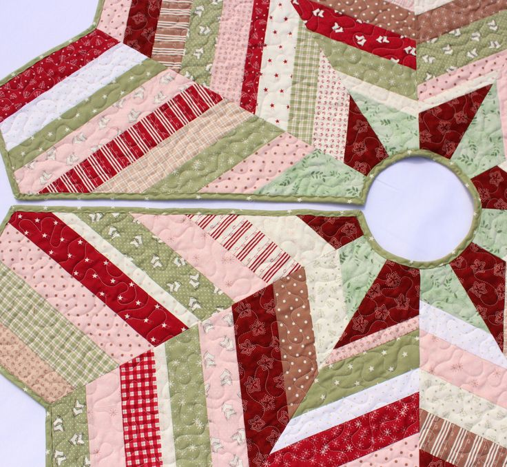 51 best Quilted Christmas Tree Skirts by QuiltSewPieceful images ...