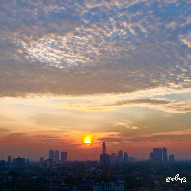 View from my 15th floor office subhanallah ✨  #sunset #jakarta