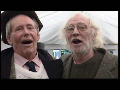 ▶ Best rendition of 'Carrickfergus' ever ... Richard Harris, Peter O'Toole & Munster Rugby - YouTube
