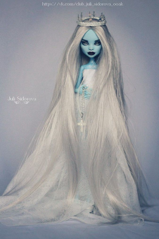 OOAK Monster High Abbey #OOAKbyJuliSidorova #JuliSidorova #OOAKMonsterHigh…