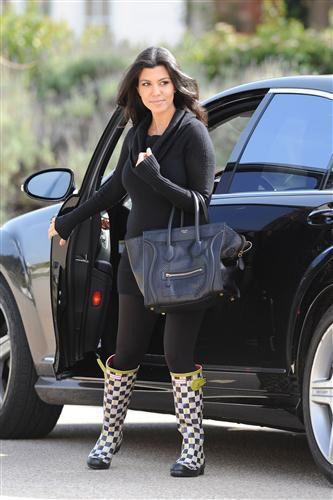 Celebrity Style Pooh-Bah: Kourtney Kardashian Wearing ...