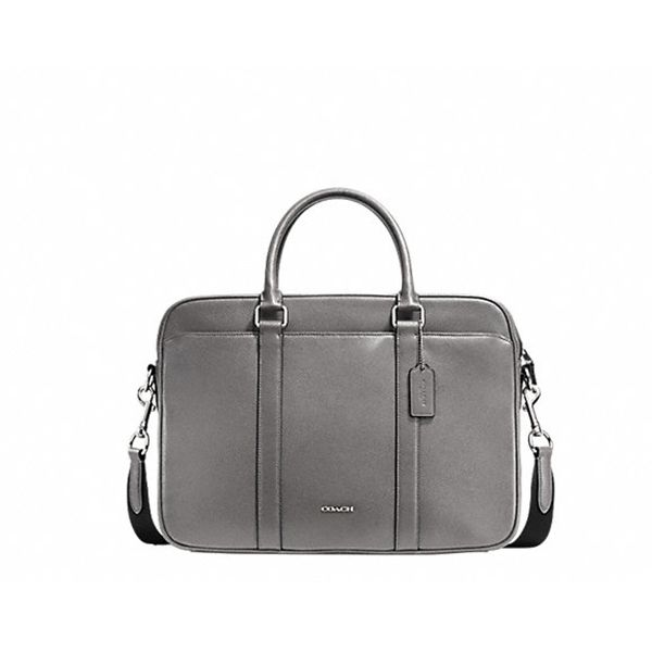 You have enough black bags? What about this one from #Coach? #DesignerOutletParndorf