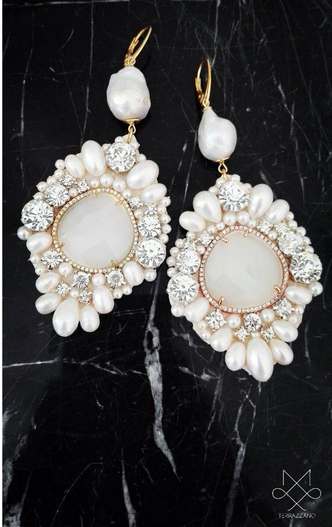 Gioielli handmade in cuoio romano,cristalli,argento 925 e perle di fiume e scaramazze australiane!info saeiva@hotmail.it