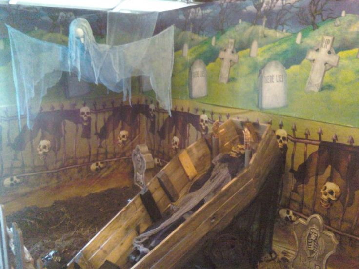 Prop Showcase: My garage haunt. Halloween Forum
