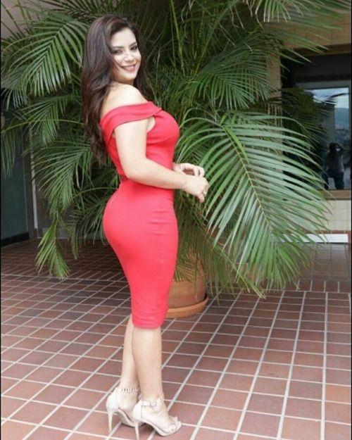 María Fernanda Sierra Presentadora de TNH8. HonduTV