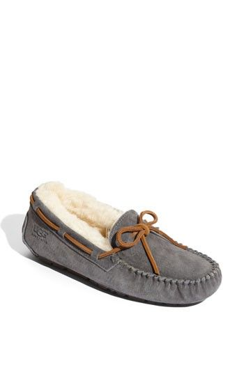 ugg dakota bedroom slippers bedroom slippers pinterest