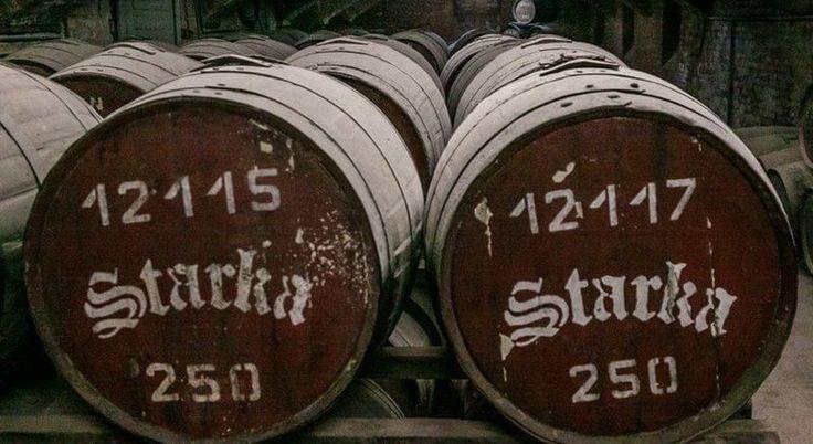 Бочки со старкой - славянским виски.