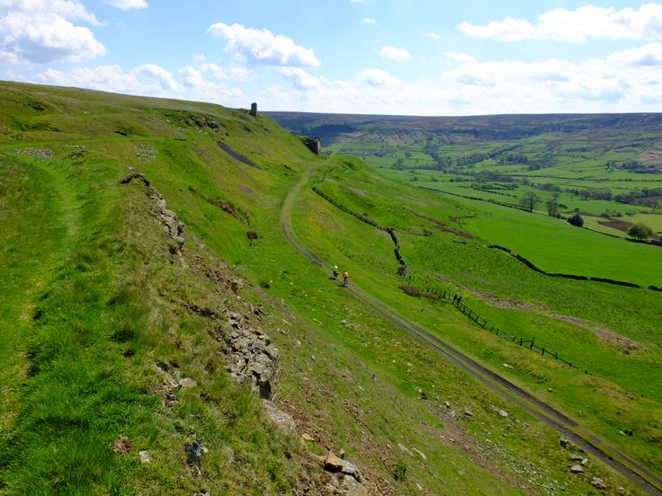 Rosedale view with cyclists