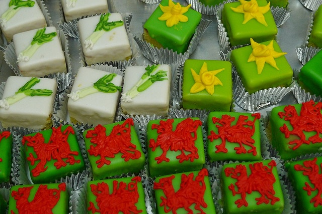 St. David's Day cakes — these are absolutely beautiful!