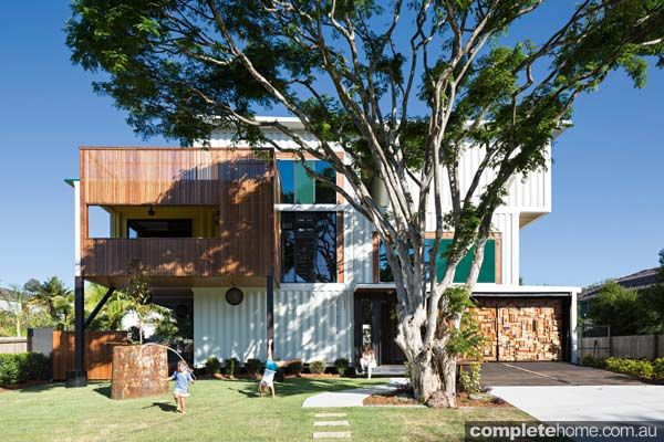 Shipping container house - WOW