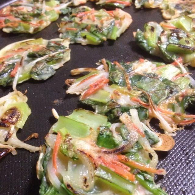 玉ねぎ+桜エビと、もやし+チーズの2バージョンで作りました〜 - 67件のもぐもぐ - 小松菜のチヂミ by sakyu☆