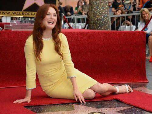 Julianne Moore recibe su estrella en el Paseo de la Fama ~ ActorsZone
