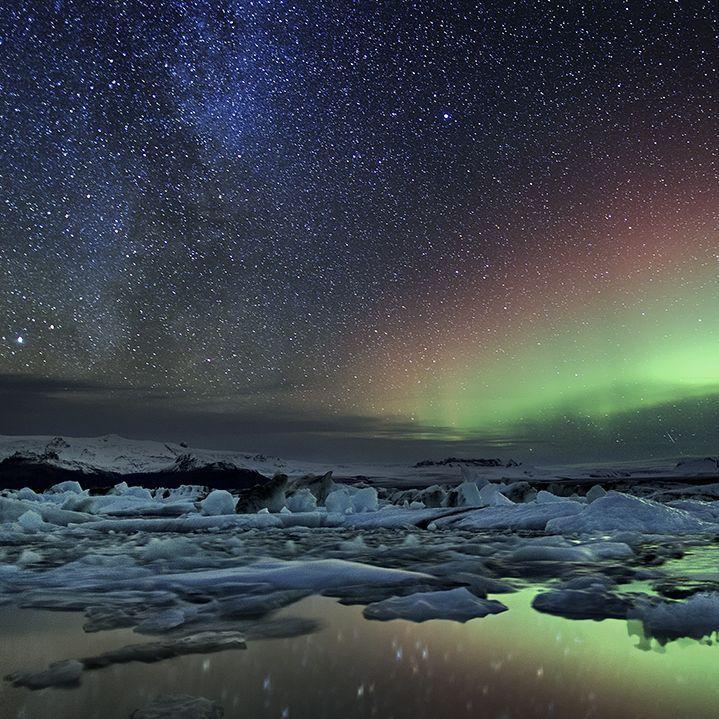 Milky Way and Aurora over Glacier Lagoon in #iceland Samanyolu ve Aurora #iceland gölünde buzul üzerinde: