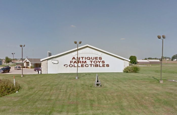 The Plaza Antique Mall in Dyersville is Eastern Iowa's largest place to shop for antiques, collectibles and farm toys.