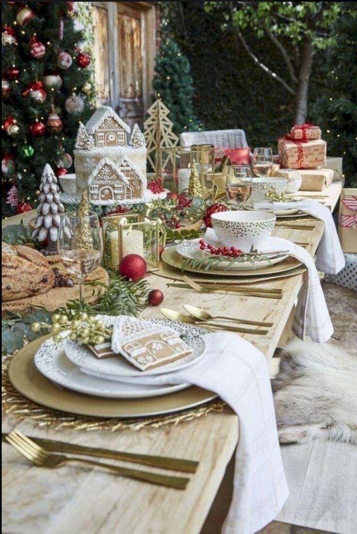 Pin By G D On Crăciun Decor Ornamente In 2020 Christmas Dining Table Christmas Table Holiday Dining Table Decor