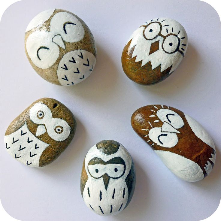 Spend an afternoon making these adorable handpainted stone owls! We'd use them as paperweights or sweet little gifts, accompanied by one of our Owl Cards (of course). Tutorial via Emily Summers Design and Nonsense blog