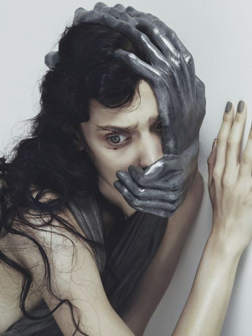 bienenkiste:  Fear. Photographed by Nhu Xuan Hua for Vogue.it