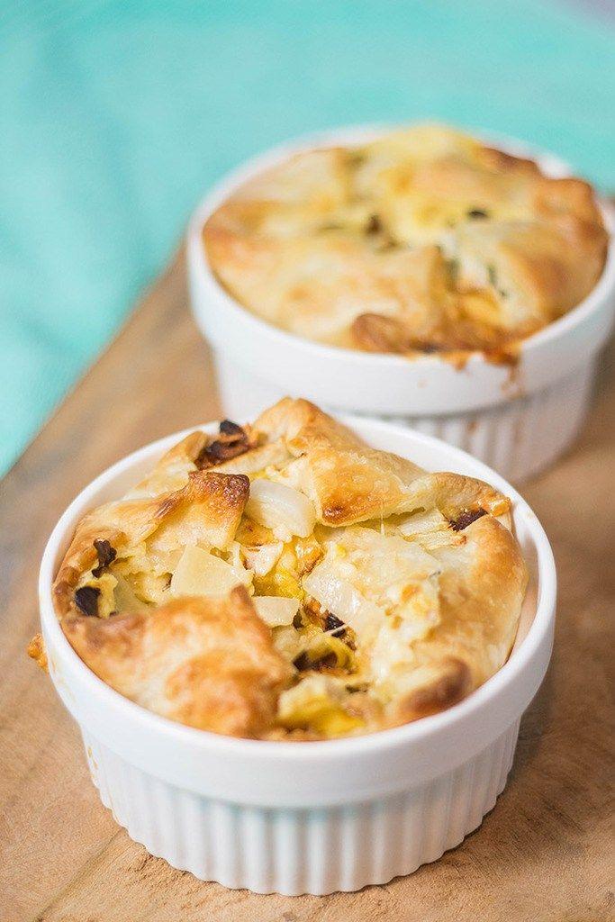 Recept: Quiche met witlof, blauwe kaas en dadels