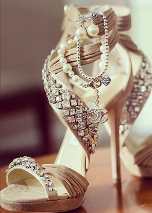 high heels with lots of style, bling and sparkle.  ♥♥♥