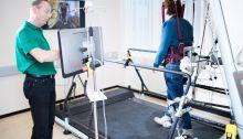 Weer leren lopen met een robot http://zorgmag.nl/2014/05/19/weer-leren-lopen-met-een-robot/
