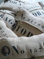 Stoere kussens met tekst en ringen