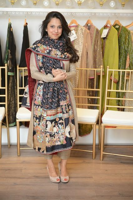 "Sparklings Makeup Blog: Nida Azwer introduced a collection of LE hand embroidered shawls and presented her bridal couture ""Hyderabad Collection"""