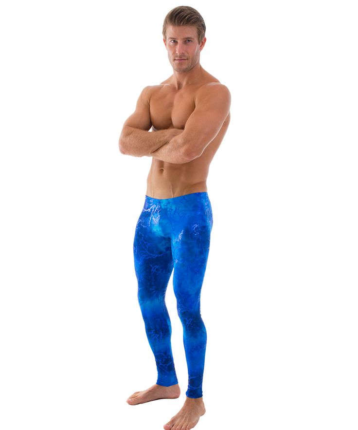 Choose men's workout pants designed with the latest fitness technologies, so you can stay focused on reaching your goals. Men's compression pants support your body as you train. A snug, graduated fit conforms to your body to help support blood circulation.