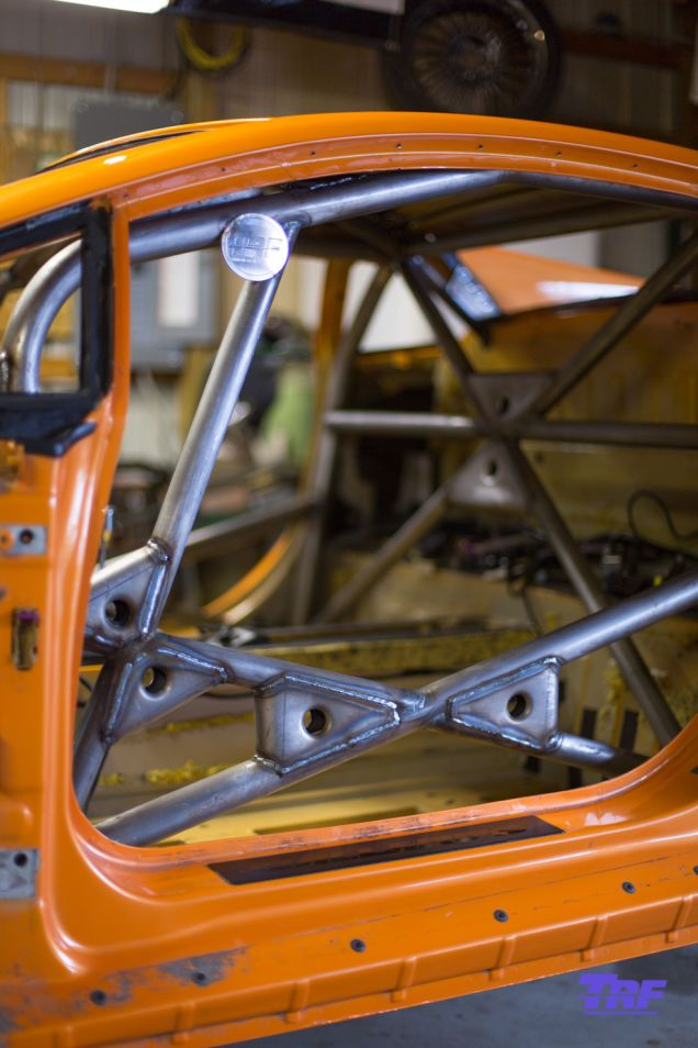 Check Out The Incredible Roll Cage In This Lamborghini