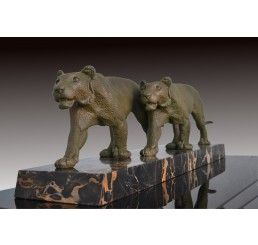Art deco Panther group by Rulas.