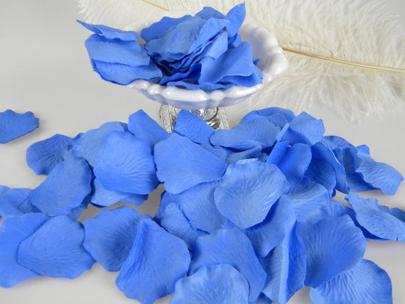 500 Flower Petals / Rose Petals / Cornflower Blue by MorrellDecor