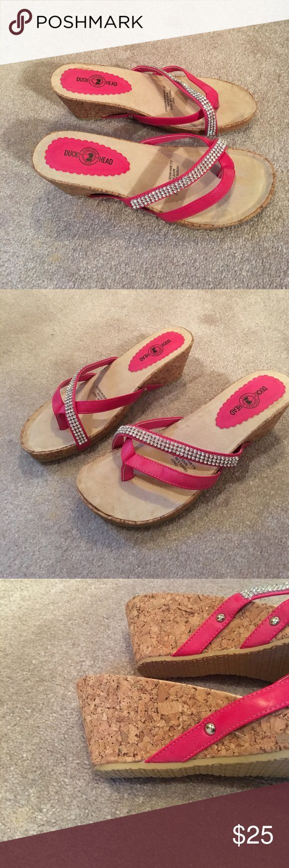 """NWOT Duckhead """"Cindy"""" sandal size 6.5 Hot pink/cork sandals, never worn, NWOT, glitter shimmers within the cork material also DuckHead Shoes Sandals"""