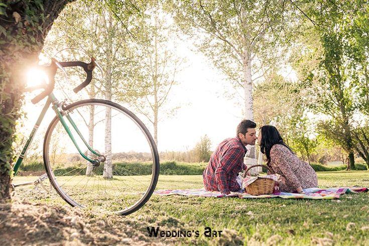 Wedding's Art   Reportaje fotográfico preboda en Girona   Fotografías de boda diferentes   Wedding's Art   Fotógrafo de bodas Girona , Barcelona   Videos de Boda   Wedding Photographer #preboda #campo #weddingsart