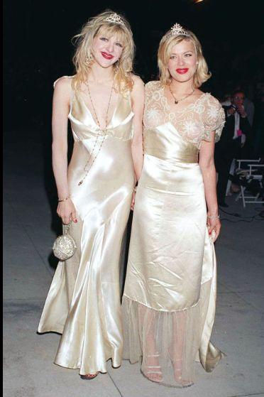 13 chic tiara moments in history: Courtney Love and Amanda de Cadenet