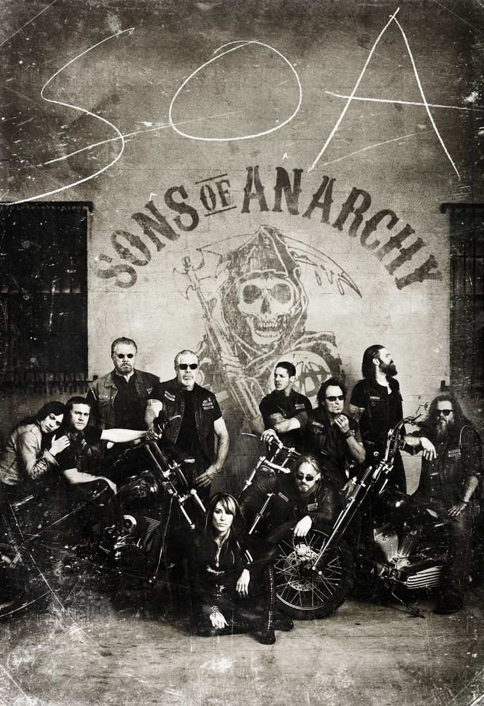 Charlie Hunnam Sons of Anarchy | ... Sons of Anarchy , qui reviendra à la rentrée pour une 4 ème saison