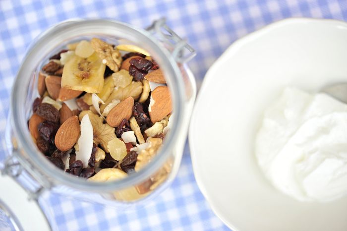 yogurt and almonds for a good breakfast