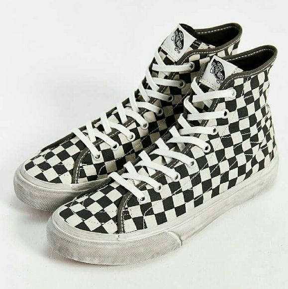 cde2b0b243 Checked Vans Looking for white and black checkered vans size 6. Vans Shoes