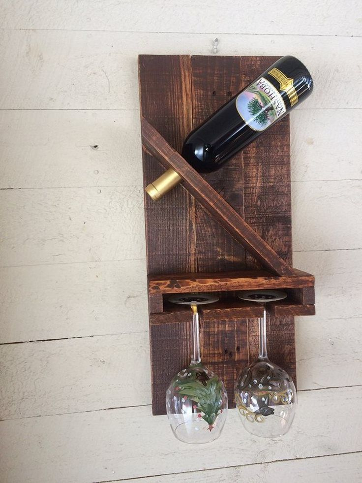 Pallet Wine Rack with 2 Glass Holders
