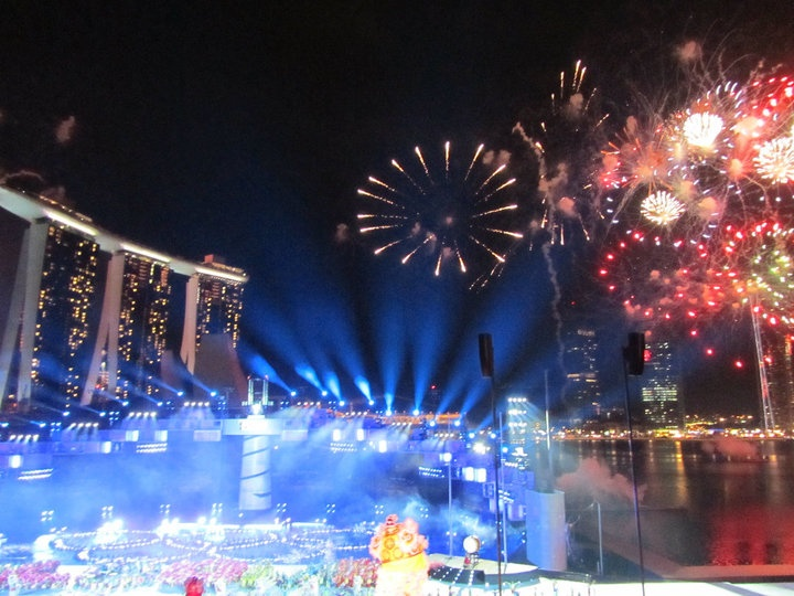 Stunning #Singapore - WIT attends the inaugural Youth #Olympic Games Games Opening ceremony - #MarinaBaySands in the background #fireworks #webintravel
