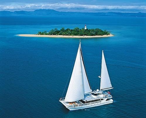 Best Australian Holidays - Boat Cruises, Tours, Cruising Holidays, Adventures, Scenic Boat Trips