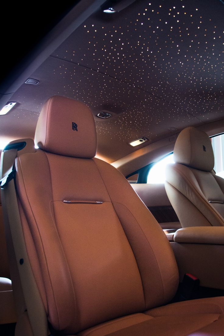 My Wraith, come to me dear Rolls. This is the constellation headliner, a $13,000 or so upgrade, that you can have them make the starry sky of any area on Earth you desire.