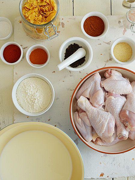 Kurczak w pikantnej panierce - pieczony, a nie smażony (wcześniej marynowany w maślance) - etap 1
